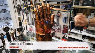 Imitazione Guanto di Thanos (HK8856)