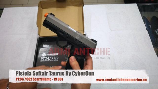 Pistola Softair PT24/7 a CO2 - Dual Tone Silver e Nera - Scarrellante - 19 BBs - Taurus By CyberGun (210528)